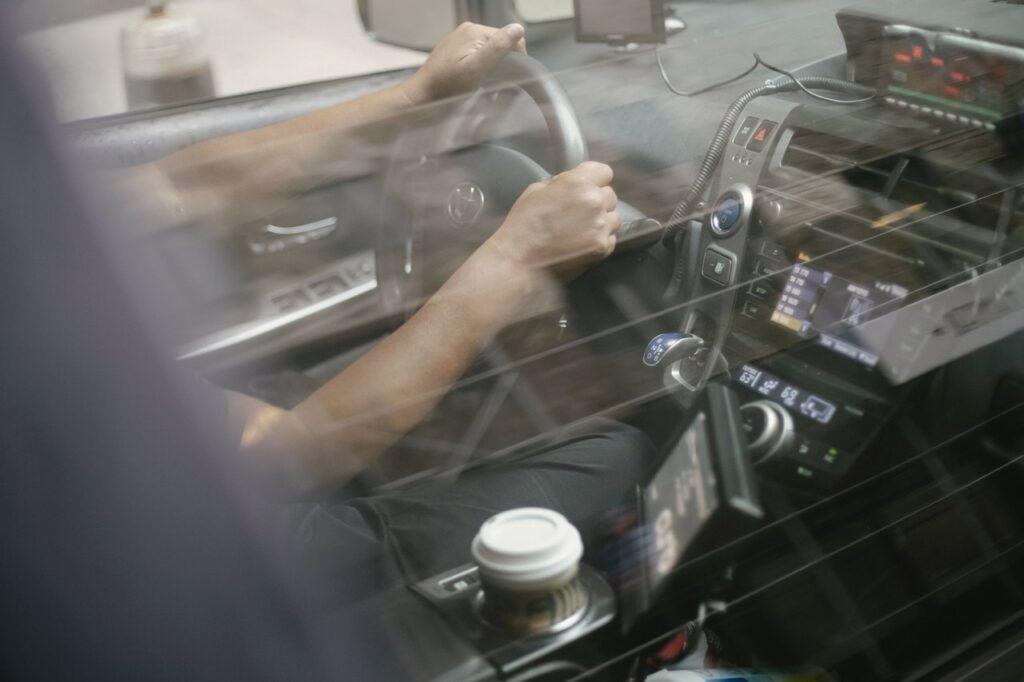 Exemple d'impact sur un pare brise lors d'un controle technique