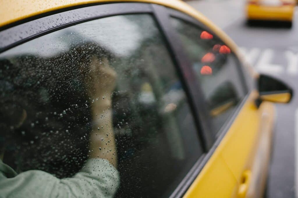 Comment remplacer la lunette arrière de sa voiture avec Direct Pare Brise